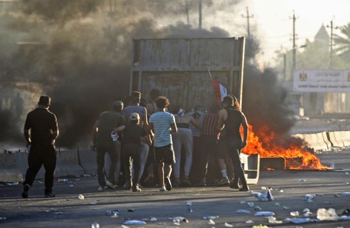 الصدر يطالب باستقالة الحكومة وإجراء انتخابات مبكرة