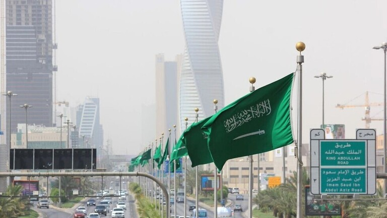 """مصادر لـ""""رويترز"""": السعودية تدرس مبادرة الحوثيين لوقف إطلاق النار"""