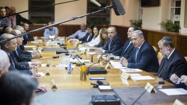 تصريحات رئيس هيئة الأركان ستؤثر في المحادثات من أجل تأليف حكومة جديدة