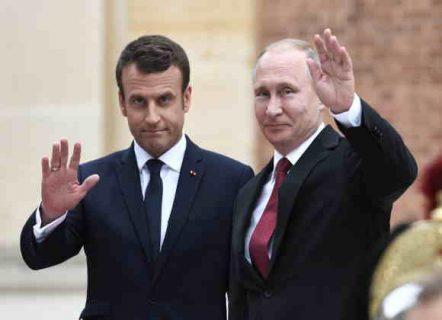ماكرون يدعو في اتصال هاتفي مع بوتين إلى تمديد وقف إطلاق النار في سوريا