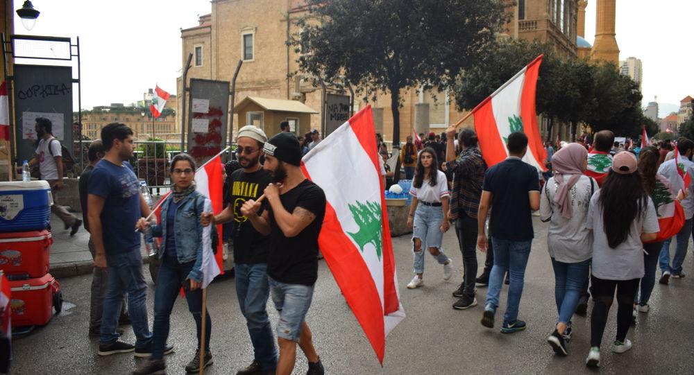 """خبراء يرون أن من مصلحة """"إسرائيل"""" إشغال حزب الله بأزمة لبنان"""