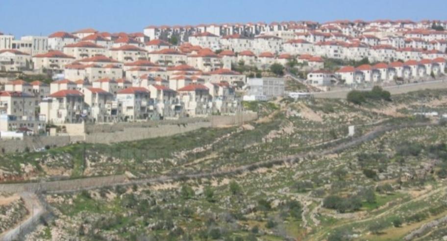 سلطات الاحتلال تستولي على مساحات واسعة جديدة من اراضي المواطنين