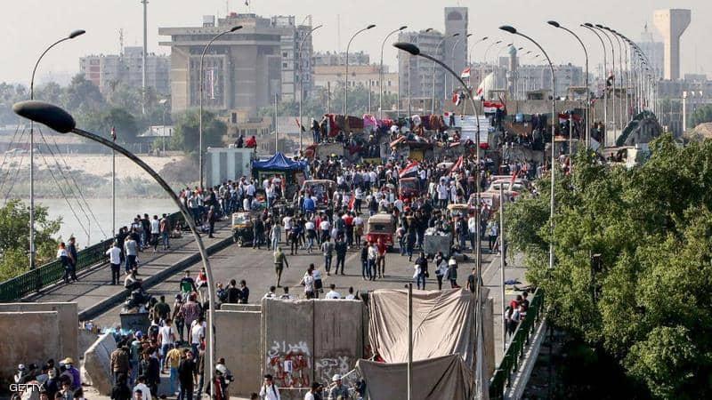 القوات العراقية تقتل أربعة محتجين والسيستاني يحذر من أزمة