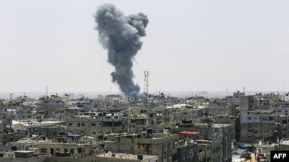 """قصف موقعين لـ""""حماس"""" في قطاع غزة"""