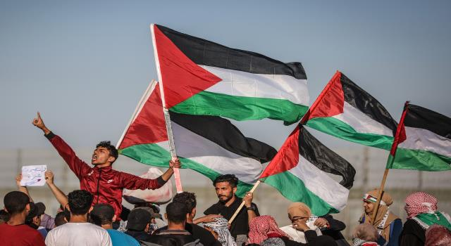 تصاريح الخروج لسكان غزة من المسيحيين نموذج لتفاهة بيروقراطية الاحتلال