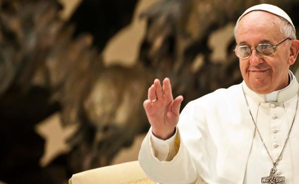 البابا فرنسيس يدعو قادة العالم لنبذ الأسلحة النووية