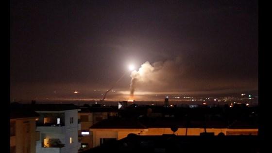 إسرائيل تعترض صواريخ قادمة من سوريا