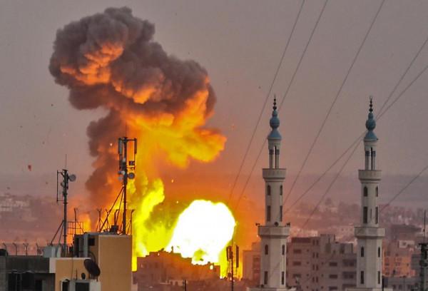 تجدد إطلاق الصواريخ الفلسطينية والضربات الجوية الإسرائيلية يزعزع تهدئة هشة