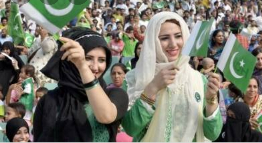رئيس وزراء باكستان: ملايين المسلمين قد يفرون من الهند