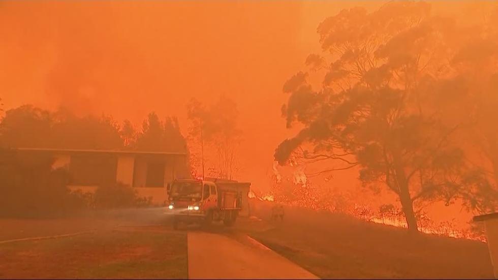 خدمة الإطفاء في أستراليا تصل إلى البلدات الأكثر تضررا من الحرائق
