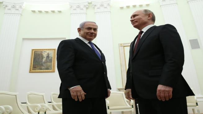 هآرتس: لنتنياهو صديق في موسكو، حتى يتوقف أن يكون صديقاً