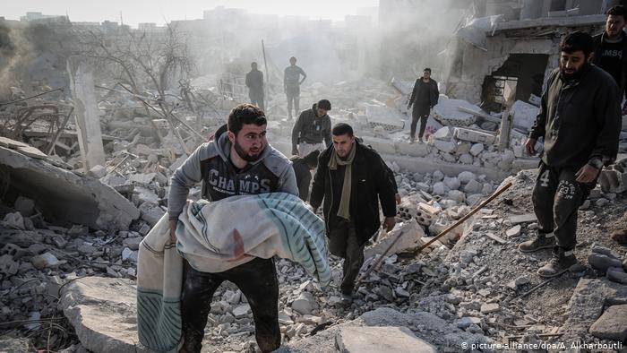 سكان: توقف الضربات الجوية بقيادة روسيا في إدلب بعد وقف إطلاق النار