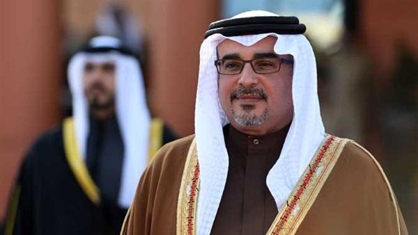 وكالة: ولي عهد البحرين يتحدث هاتفيا مع وزير الدفاع الأمريكي
