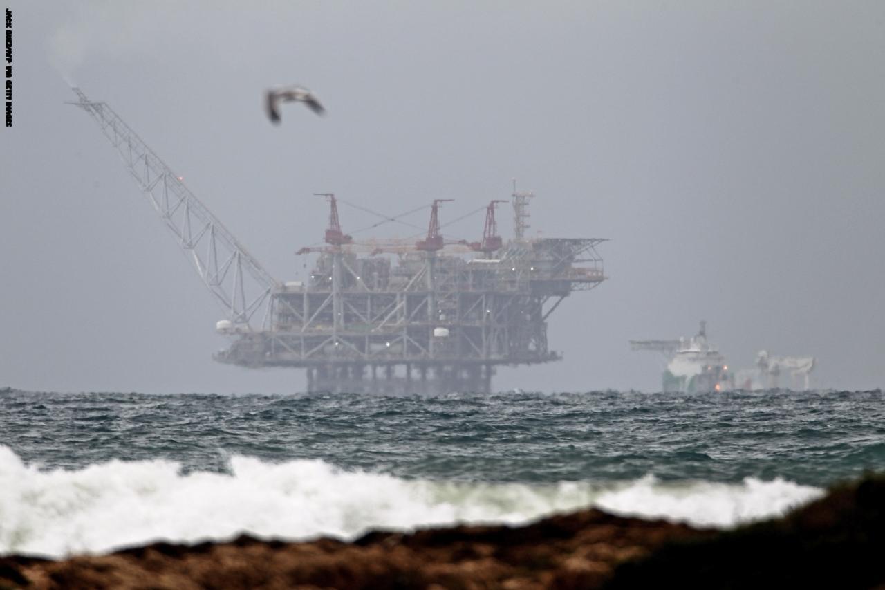 بدء عملية تدفق الغاز الطبيعي من إسرائيل إلى مصر