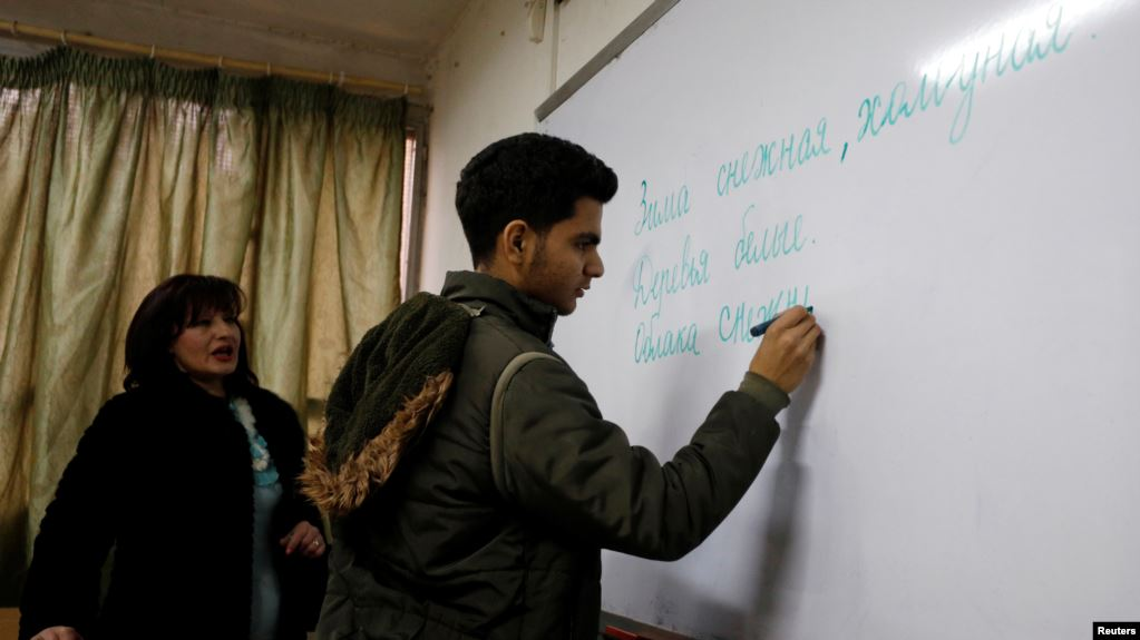 24 ألف شاب سوري يتعلمون الروسية .. لماذا؟
