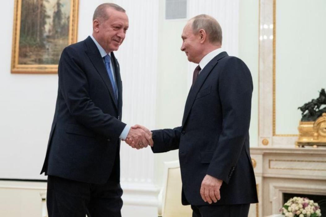 تركيا وروسيا تتفقان على تسيير دوريات مشتركة في إدلب بسوريا