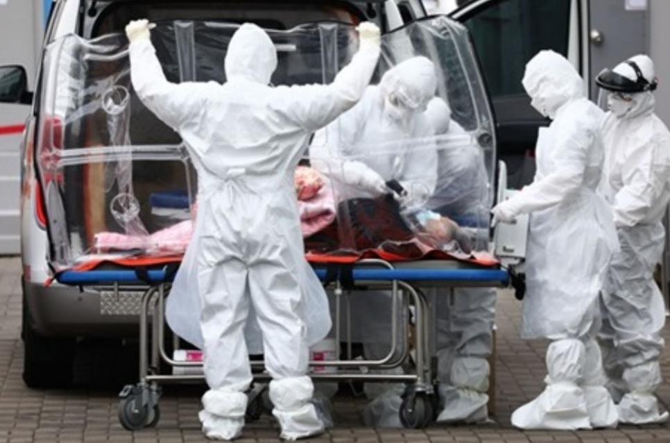 مسؤول: إيران لن تطلب أبدا مساعدة أمريكا في مكافحة فيروس كورونا