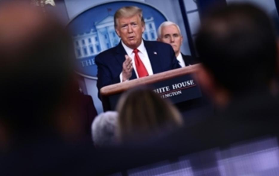 ترامب يعد بزيادة الاختبارات وحكام الولايات يتريثون قبل الفتح
