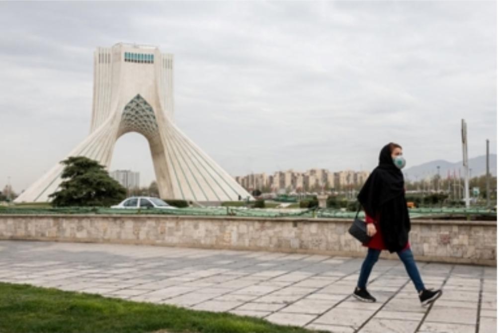 """""""نيويورك تايمز"""": كيف ستزيد عقوبات ترامب على ايران من تداعيات الوباء؟"""
