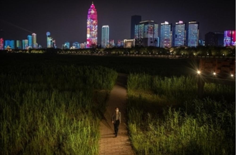 """""""نيويورك تايمز"""": الصين تعيد فتح ووهان والمدينة تلملم جراحها"""