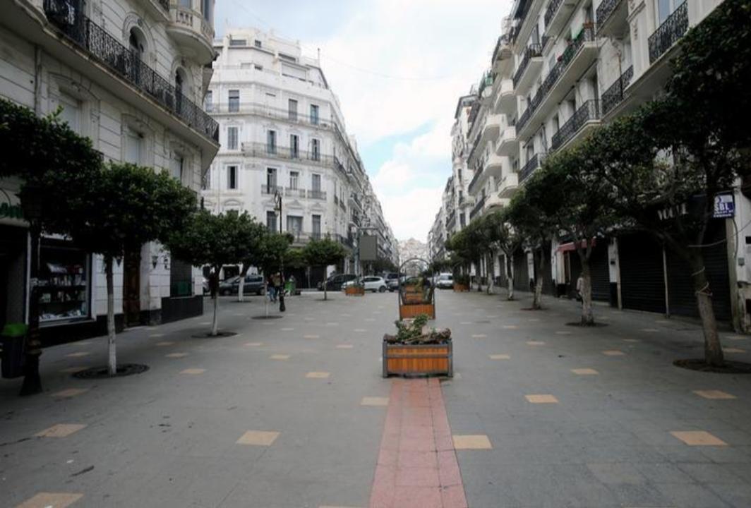 الجزائر تمدد إجراءات العزل العام حتى 29 أبريل