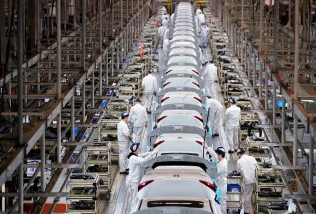 """""""نيويورك تايمز"""": عادت المصانع الصينية.. لكن المستهلكين لم يعودوا بعد"""