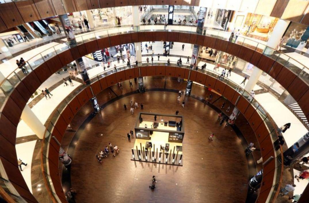 مراكز تجارية ومطاعم أخرى تفتح أبوابها في الإمارات