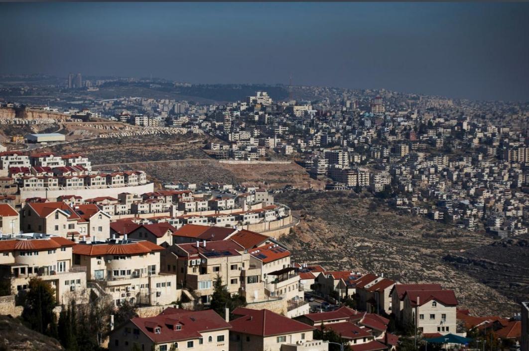 معاريف: استراتيجيا تضمن أمن إسرائيل من ناحية الشرق لا تقل أهمية عن حقوق الأجداد
