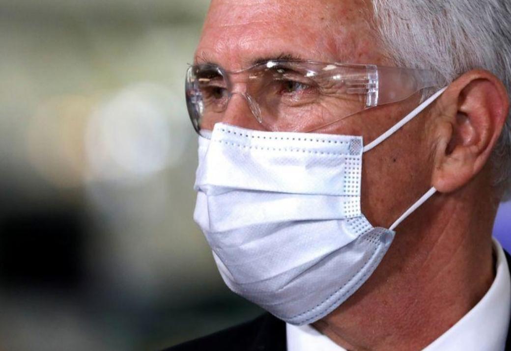 مراسل بلومبيرغ: نائب الرئيس الأمريكي في عزل ذاتي بعد تشخيص إصابة مساعدة بكورونا