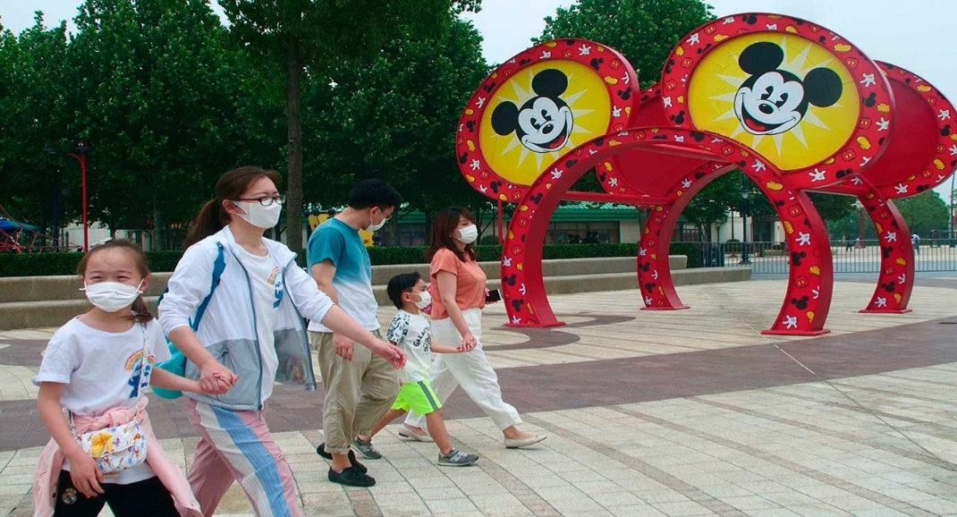 شنغهاي ديزني لاند تفتح أبوابها من جديد