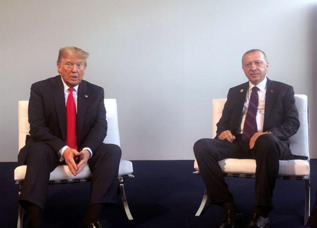 أردوغان وترامب تناولا الشأن الليبي والسوري في محادثة هاتفية