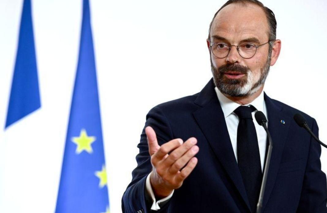 فرنسا تفتح الشواطئ والحانات مع بدء المرحلة الثانية من تخفيف إجراءات العزل العام