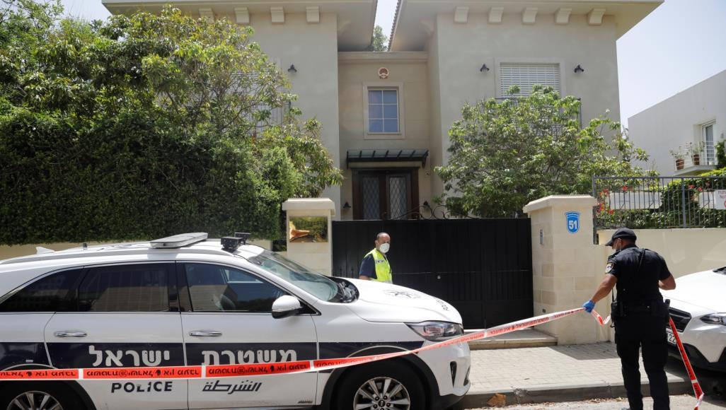 الشرطة: العثور على سفير الصين في إسرائيل ميتا في منزله بتل أبيب
