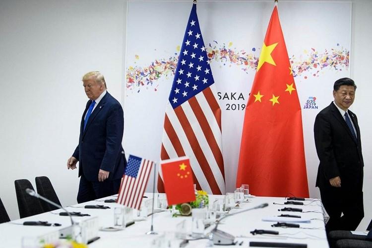 """""""نيويورك تايمز"""": واشنطن تدرس حظر التأشيرات على 92 مليون صيني"""