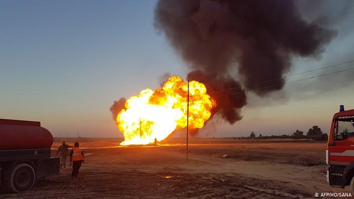"""سوريا تقول انفجار خط الغاز """"اعتداء إرهابي"""" وأمريكا تتهم الدولة الإسلامية"""