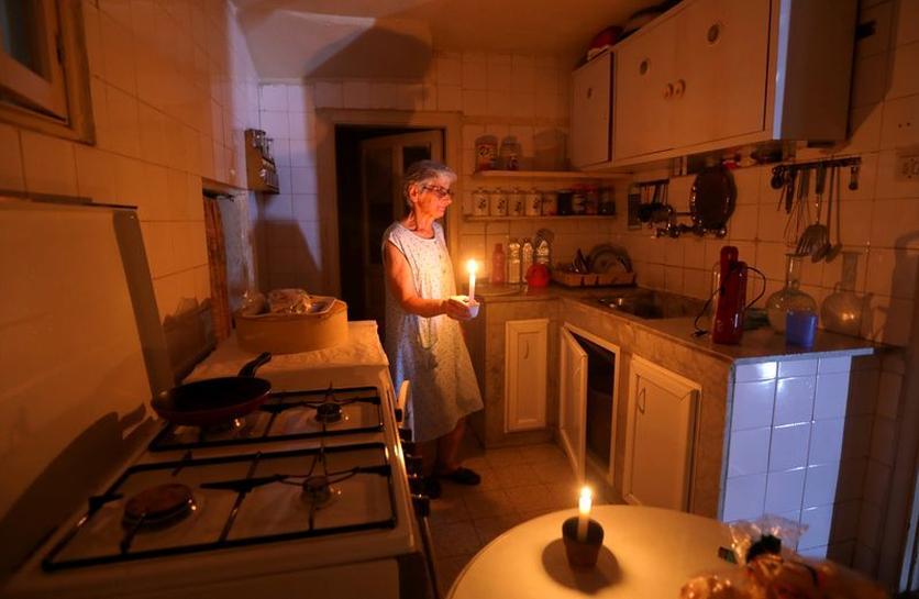 صراع الكهرباء في لبنان .. كواليس فشل الدولة في إضاءة الأنوار