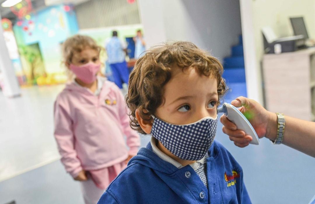 الأطفال ينقلون كورونا ولا تظهر عليهم الأعراض