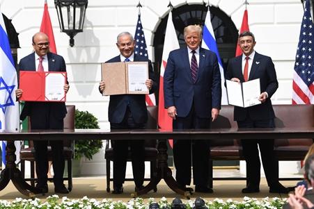 """ترامب: السلام بين إسرائيل والإمارات والبحرين """"فجر لشرق أوسط جديد"""