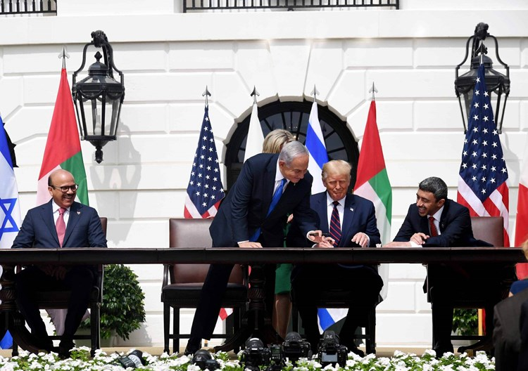 """""""واشنطن بوست"""": اتفاقا الإمارات والبحرين مع """"إسرائيل""""لا ينهيا الصراعات في المنطقة"""