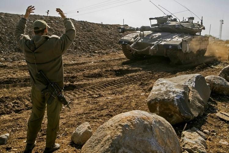 انطلاق صافرات الإنذار في المنطقة المحاذية لقطاع غزة بسبب إطلاق قذيفة صاروخية في اتجاه الأراضي الإسرائيلية