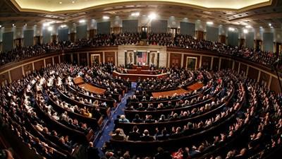 """""""واشنطن بوست"""": الديمقراطيون يضغطون لمحاكمة ترامب والجمهوريون منقسمون"""