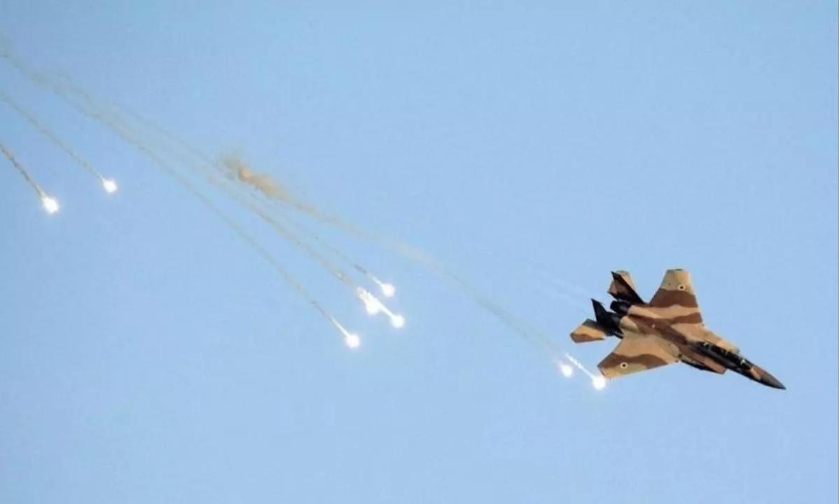 """""""ميدل إيست آي"""": كيف تُرهب """"إسرائيل"""" لبنان من السماء"""