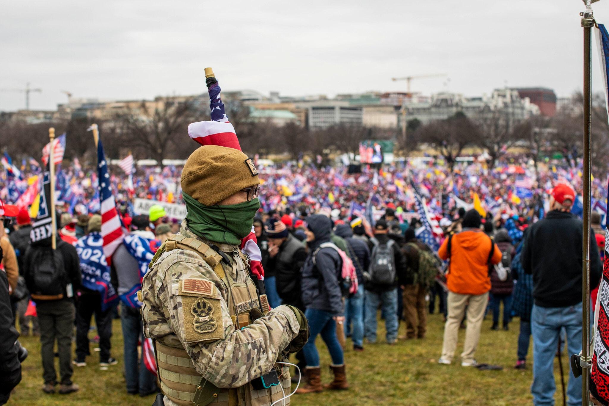 مكتب التحقيقات الفدرالي يدعو الشرطة الأميركية للتأهب خشية استهداف الميليشيات حفل تنصيب بايدن