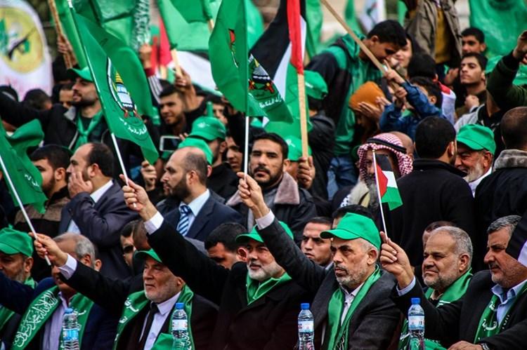 """""""المونيتور"""": """"حماس"""" هي الورقة الأساس في الانتخابات الفلسطينية"""