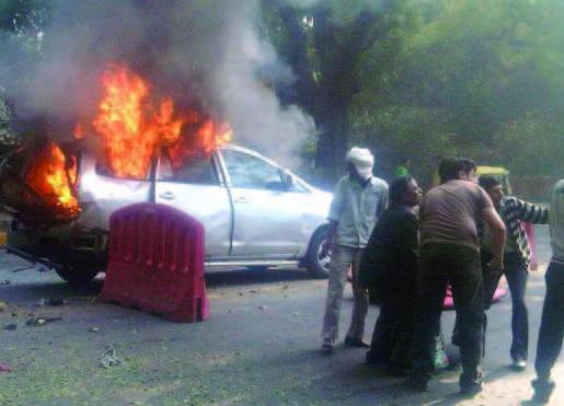 معاريف: إيران وراء الهجوم  على السفارة الإسرائيلية في نيودلهي