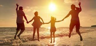 السعادة تكمن في إسعاد الآخرين