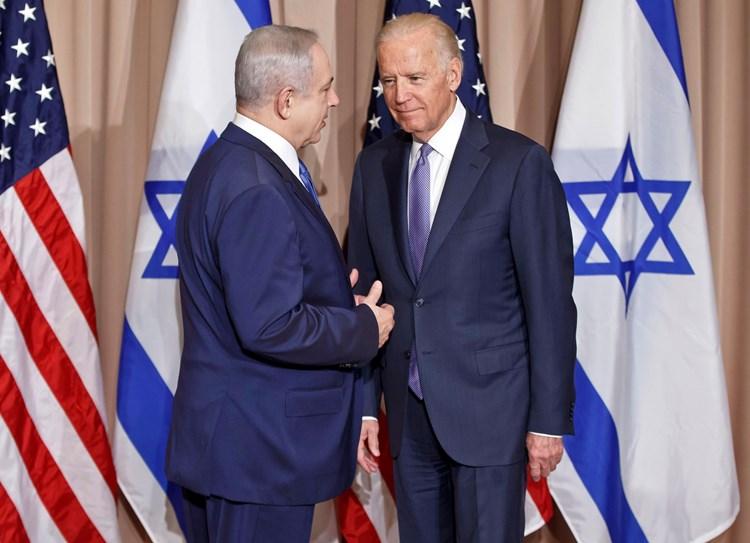 """""""نيويورك تايمز"""": بايدن لا يتراجع عن سياسات ترامب تجاه """"إسرائيل"""""""