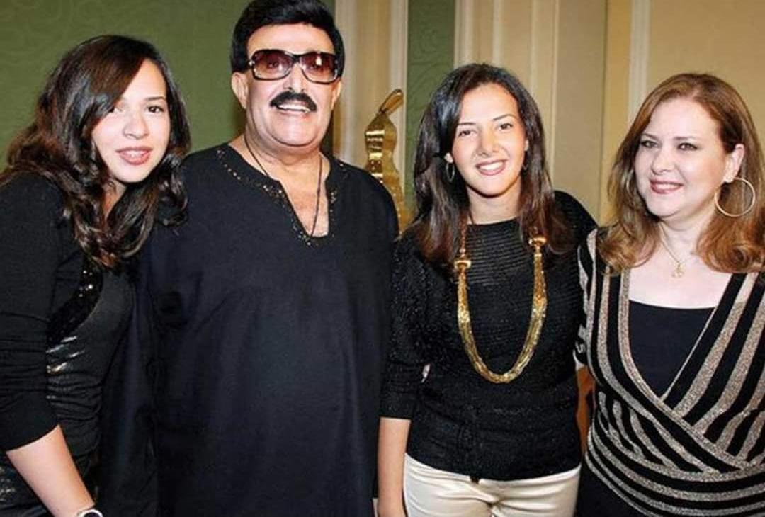 الفنان سمير غانم وعائلته