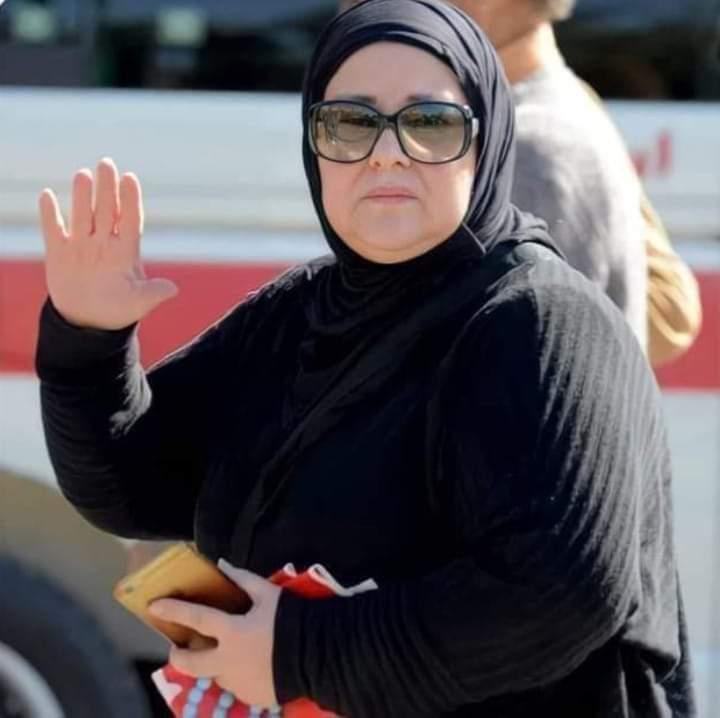 دلال عبد العزيز في وداع سمير غانم