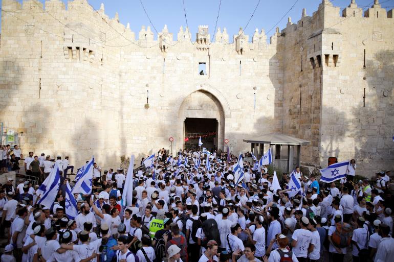 """إسرائيل تمرر رسائل إلى مصر والسلطة الفلسطينية فحواها """"مسيرة الأعلام"""" في القدس"""